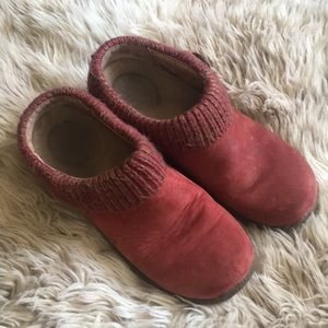 Dansko red leather clogs knit button detail